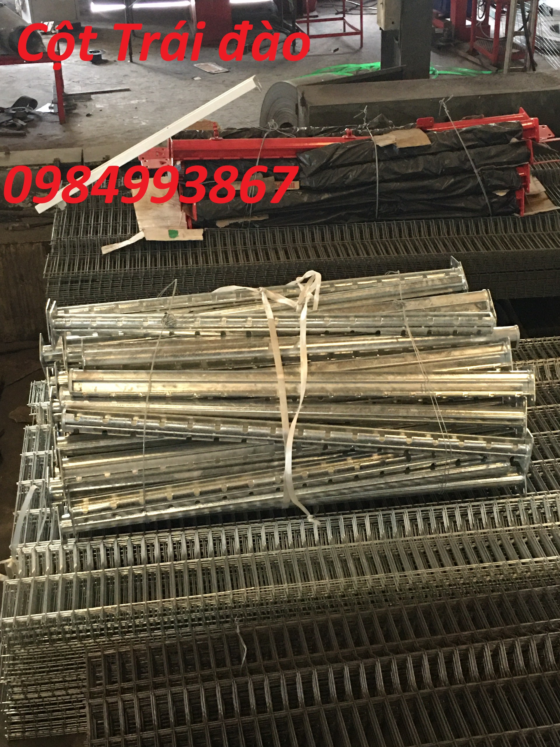 Lưới thép hàng rào Cột trái đào giao hàng trên toàn quốc